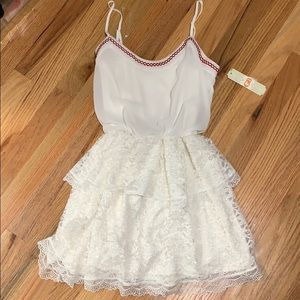 White lace GB dress